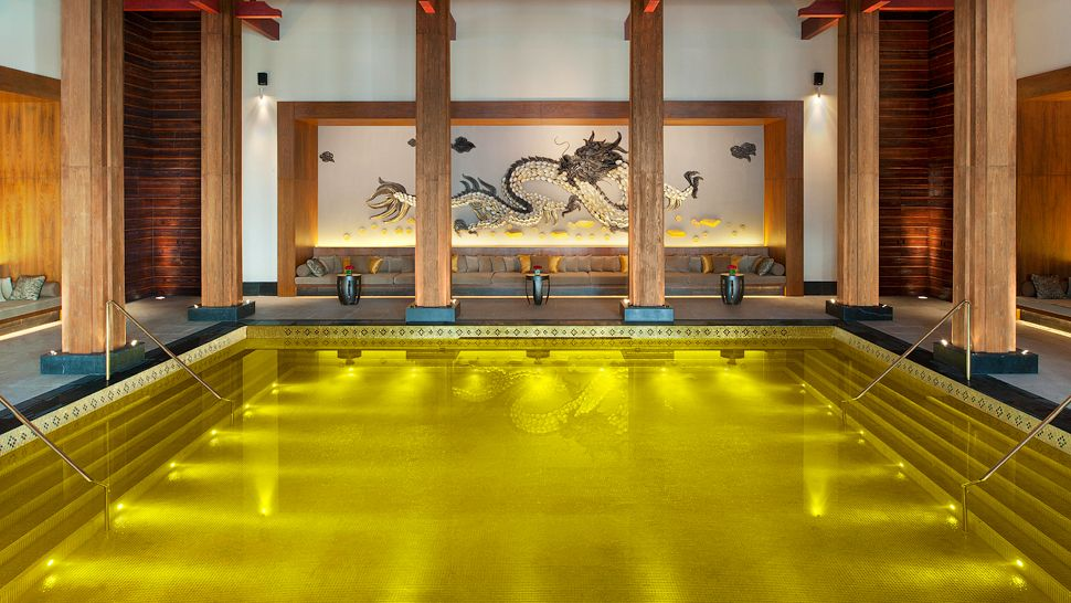 The St. Regis Lhasa Resort iridium pool