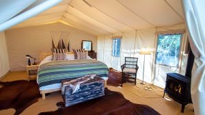 tented accomodations at luxury resorts, hotels and camps