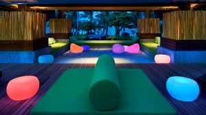 luxury hotels trendy lounges