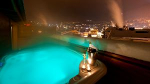 luxury hotels with hot tubs